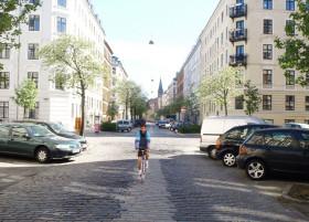 Cykelvenlige brosten til Axel Heides Plads